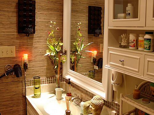 bathroom-bamboo-wallpaper - home decor - guest bathroom renovation tips